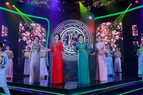 06 THU THUY - YEN TRANG - THANH NGOC - BAO THY