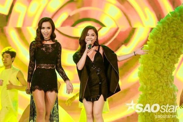 liên khúc Giây phút cuối - Tôi thấy hoa vàng trên cỏ xanh được biểu diễn bởi Giang Hồng Ngọc - Phan Lê Ái Phương.