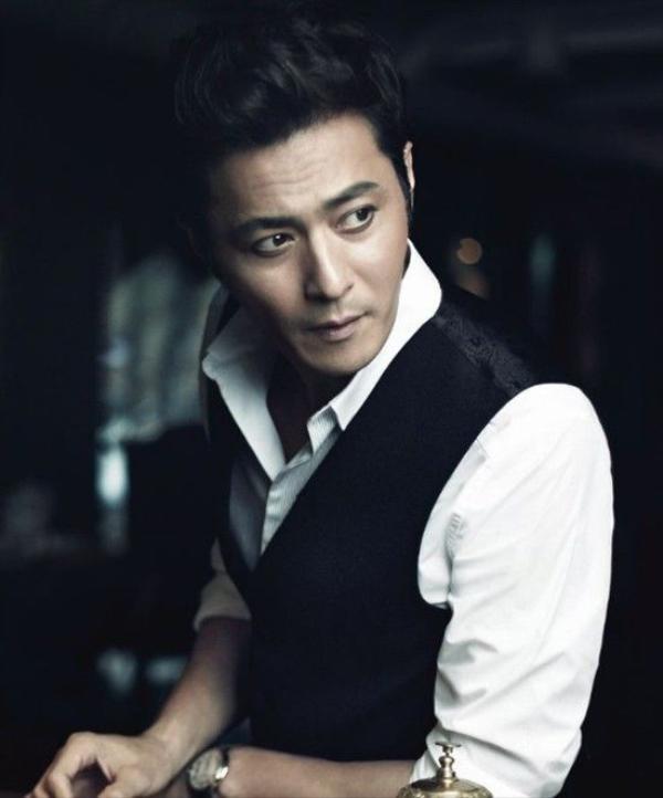 Jang Dong Gun hiện tại là một quý ông lịch lãm.