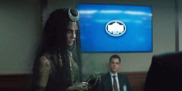 Suicide-Squad-Trailer-Enchantress-White-House