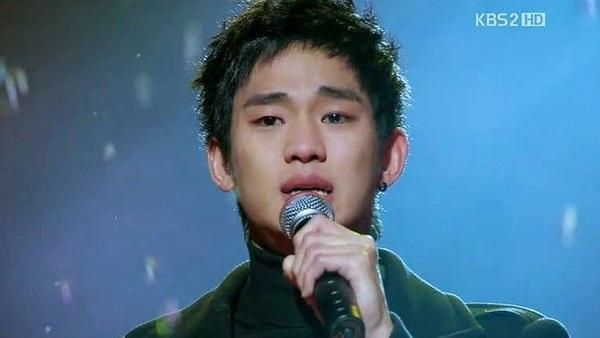 Hoang-tu-nuoc-mat-han-03