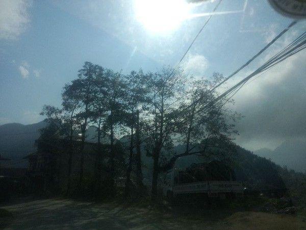 Trong khi Hà Nội đang mưa rét thì Sa Pa lại được tận hưởng không khí nắng ấm và có phần chói chang giữa mùa đông. Ảnh: Facebook Haiphong Vu