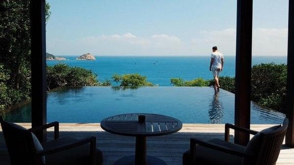 Khung cảnh tuyệt đẹp của khu resort cao cấp với giá 100 triệu/đêm