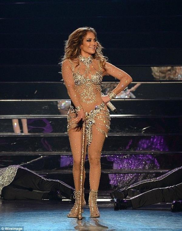 Jennifer Lopez mở màn loạt show diễn ở Las Vegas.