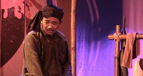 """Quốc Khánh đầy tâm trạng trong vở kịch """"Hồn Trương Ba, Da Hàng Thịt"""""""