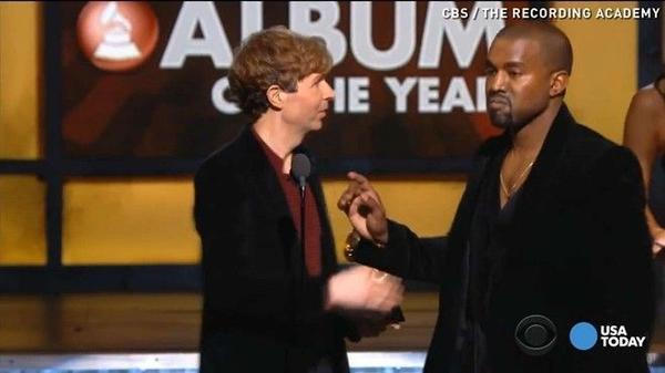 """Kanye """"hầm hố"""" với Beck trên sân khấu Grammy 2015"""