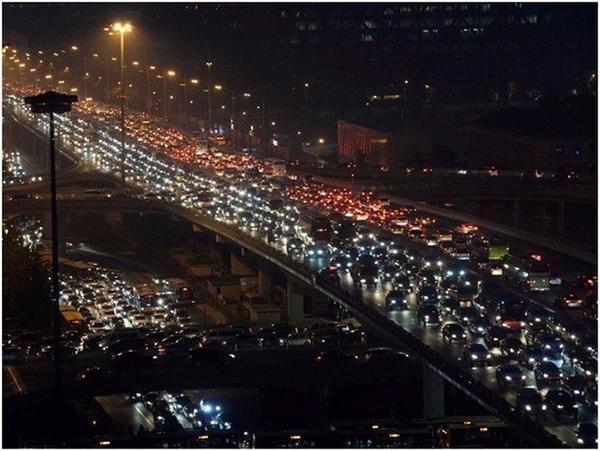 Cảnh kẹt xe giờ tan tầm là nỗi ám ảnh của người dân sống tại Bắc Kinh.