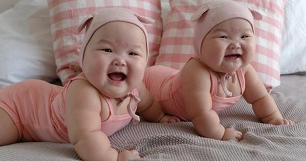 Đây là cặp song sinh Leia và Lauren đến từ Singapore.