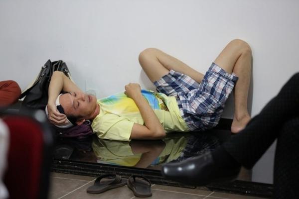 1. Giam khao Hoai Linh lo ve met moi trong hau truong (2)