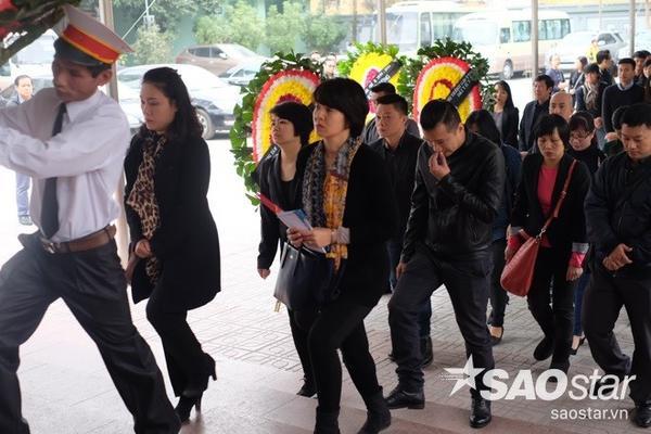 MC Diễm Quỳnh và các đồng nghiệp đến chia tay người anh, người đồng nghiệp vừa có tài vừa có tâm.