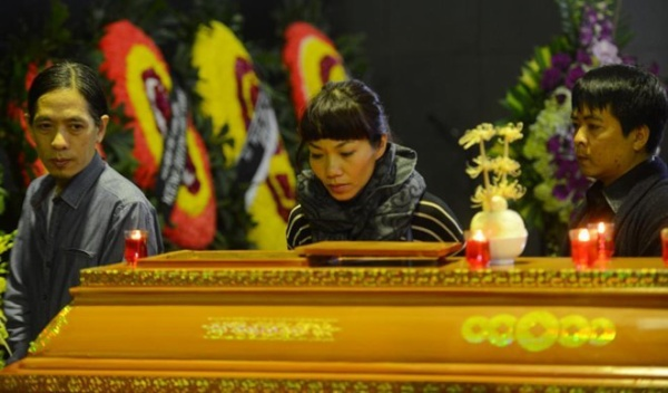 Diva Trần Thu Hà.