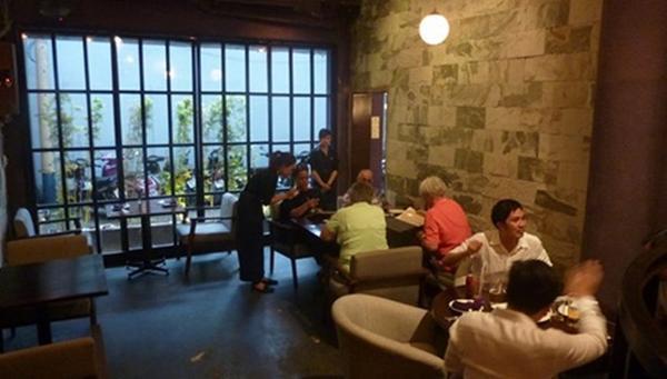 Pizza 4P thường kín bàn và phải đặt chỗ trước cả tuần mới có một bàn ăn ngày cuối tuần (ảnh tripadvisor)