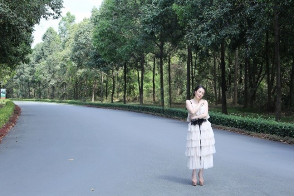 Hồ Quỳnh Hương (13)