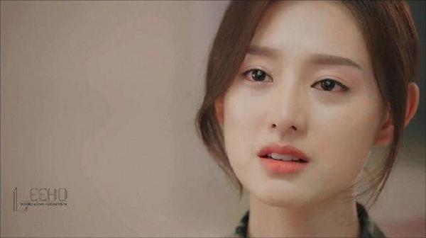 Tạo hình nữ quân y xinh đẹp của Kim Ji Won