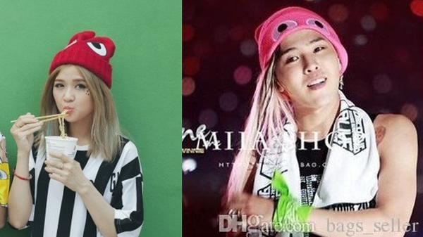 """Đặc biệt hơn chiếc mũ beanie của cô nàng cũng có """"hai mắt"""" tương tự mũ của leader Bigbang - G Dragon."""