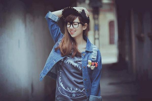 Hình ảnh từ những ngày đầu tiên cho thấy cô ấy cũng rất nữ tính với mái tóc dài.