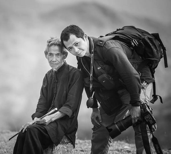 Nguyễn Vũ Phước là một tên tuổi lớn của làng nhiếp ảnh Việt Nam. Cùng với một người bạn nước ngoài, anh đã đến tìm hiểu và chụp lại những khoảnh khắc tuyệt vời của cácdiêm dân Hòn Khói trong một ngày làm việc của họ.