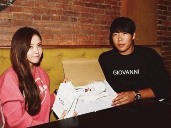 Người hâm mộ Kpop có những phản ứng khác nhau trước thông tin hẹn hò của Hyomin.