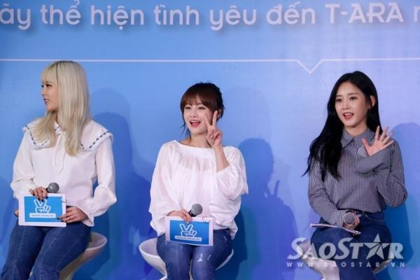 T-ara xinh đẹp trong buổi họp mặt fan tại TP.HCM tối nay.