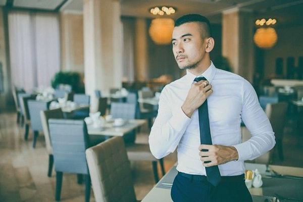 Hình ảnh một quý ông giàu có và thành đạt.