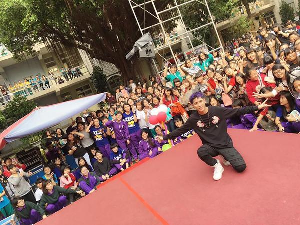 Trận Ngạn Doãn đa tài đa nghệ là thần tượng âm nhạc của hàng triệu cô gái Đài Loan.