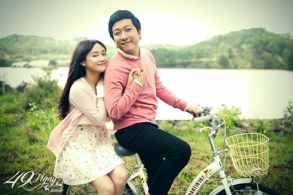 """Trường Giang và Nhã Phương trong phim """"49 ngày""""."""