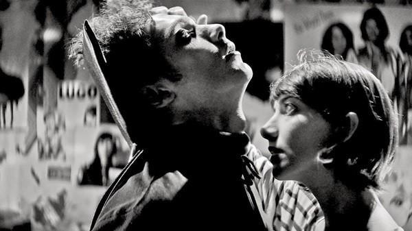 A Girl Walks Home Alone at Night tiếp nối sự trỗi dậy mạnh mẽ của dòng phim Iran trong những năm gần đây.