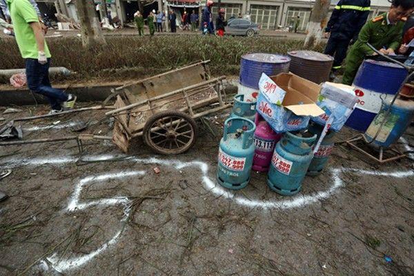 Nhiều bình gas và bình nén khí không bị phát nổ.