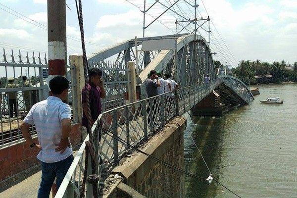 Hiện trường vụ sập cầu Ghềnh ở Đồng Nai.