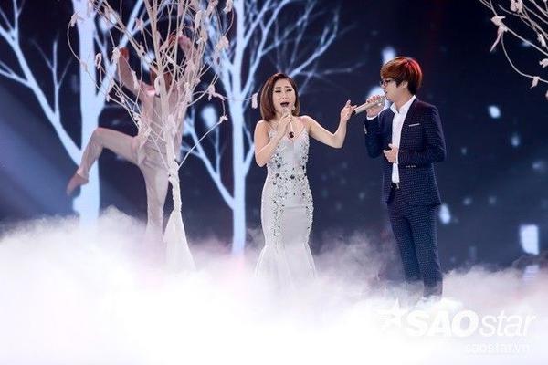 Hương Tràm và Bùi Anh nhận được nhiều lời khen của ban giám khảo.