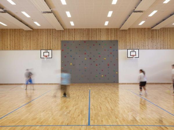 Phòng thể thao trong trại giam Halden được trang bị hiện đại không kém các trung tâm thi đấu khác.