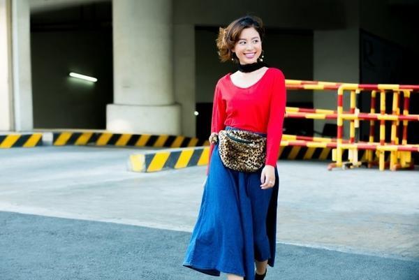 Váy midi jean sẽ làm bạn trông nữ tính và bụi bặm hơn trong mùa hè 2016 này.