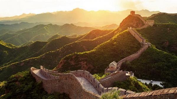 Vạn Lý Trường Thành - công trình kiến trúc nổi tiếng của Trung Quốc. Ai cũng ming muốn được một lần đặt chân đến.