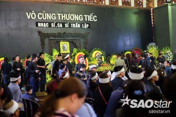 Toàn cảnh lễ tang Trần Lập bên trong Nhà tang lễ Bộ Quốc phòng.