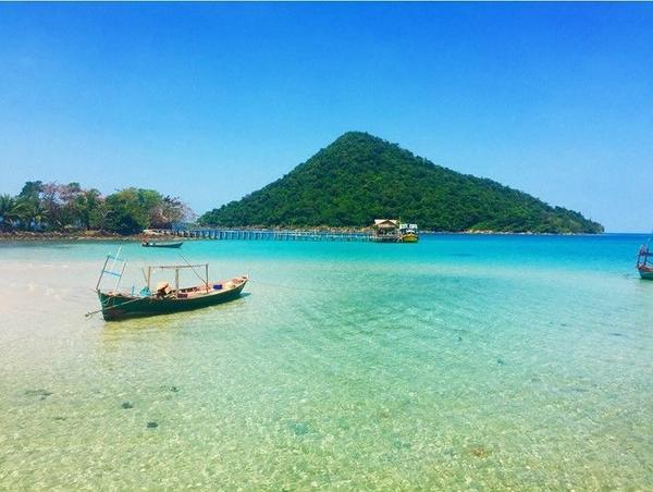 Vẻ đẹp hoang sơ của Koh Rong thu hút nhiều du khách. Ảnh: Globel.