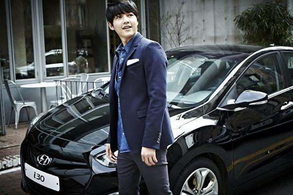 Nhờ thành công của phim, hãng xe hơi đã thu về 100 tỷ won chỉ trong vòng 1 tháng.