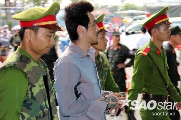 Tuấn Em thất thần sau ngày xử đầu tiên vì bị đề nghị mức án tử hình.