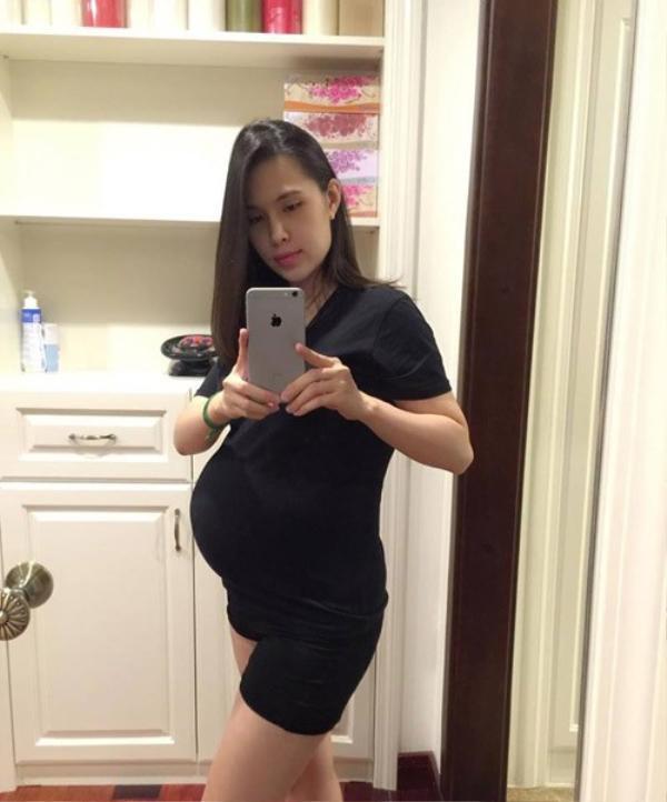 Trong thai kỳ, chị Vũ Mai tăng đúng chuẩn 10kg.