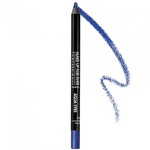 Make Up Forever eye pencil Aqua là một trong những chọn lựa tối ưu dành cho tông mắt xanh, với lõi bút siêu mềm và mịn đảm bảo sẽ làm bạn thích mê.