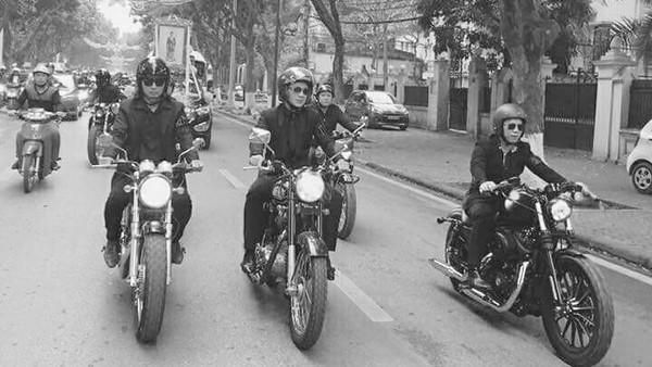 """""""Suốt hành trình, tôi cùng Tuấn Hùng và Nhất Hoàng đi bên nhau, hình ảnh của Lập qua chiếc xe như đang cùng chúng tôi những tháng ngày năm xưa. Chúng tôi nói chuyện với chiếc xe như đang nói chuyện với chính Lập, và hiểu rằng ở đâu đó, Lập đang nhìn cả đoàn, cảm nhận được tình cảm của anh em biker nói riêng và tất cả gia đình, bạn bè và fan hâm mộ qua từng tuyến phố của thủ đô...""""."""