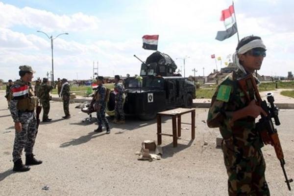 An ninh Iraq đang tuần tra.