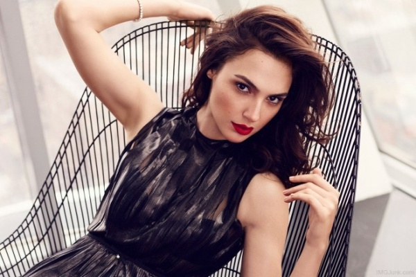 Gal-Gadot-Red-Lips