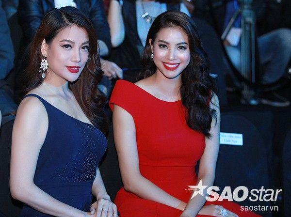 Phạm Hương tự tin khoe sắc cùng đàn chị Trương Ngọc Ánh. Nhiều người nhận xét hai mỹ nhân Việt có gương mặt, nụ cười giống nhau.