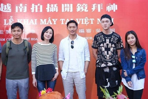 Đoàn phim Sự hồi sinh chí mạng dự kiến quay tại Việt Nam trong 3 tuần (30/3 - 21/4) tại các địa điểm ở TP HCM, Vũng Tàu, Đà Lạt, Vịnh Hạ Long, Tháp Chàm và đảo Phú Quốc. Trong thời gian quay ở TP HCM, họ sẽ lưu trú tại khách sạn Eastin.