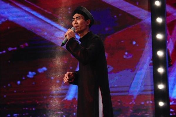 """Thí sinh Đào Duy Linh đến từ Thái Bình được cho là thí sinh """"mạo hiểm nhất từ trước đến nay"""" bởi anh đang thử sức với mộtloại hình nghệ thuật khác hẳn nghệ thuật chèo anh theo đuổi bấy lâu: cải lương."""