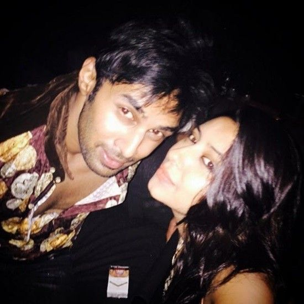 pratyusha-banerjees-selfie-with-rahul-raj-singh