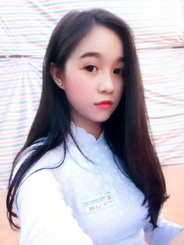 Lê Chi, học sinh