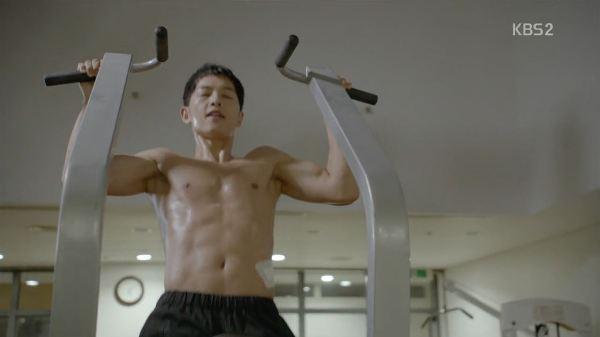 Song Joong Ki là tuýp người dễ khiến người ta xiêu lòng.