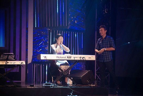 Mặc dù chưa thành thạo nhưng khi được MC Anh Tuấn đề nghị, Ngọc Hân đã mạnh dạn thể hiện khả năng chơi piano trong chương trình. Cô ôm mặt xấu hổ sau khi chơi xong bản nhạc bởi nó vẫn khá rời rạc.