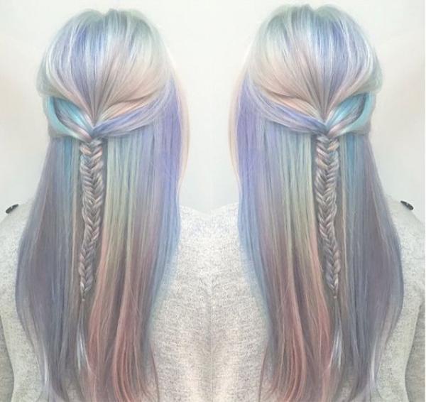 Tẩy trắng tóc cùng oil slick hair cũng là một ý kiến không tồi.